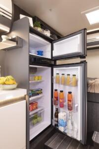Kronos-298-TL  frigorifero camper semintegrale a1800x900