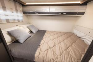 Kronos-298-TL  letto matrimoniale camper a1800x900